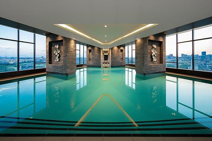 Hotel and residence block for sale in Istanbul - شقق سكنية وفندق للاستثمار تركيا